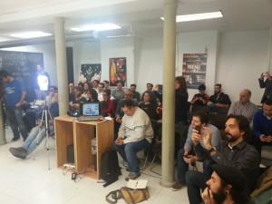 El público atendiendo a las presentaciones // D. Hernández